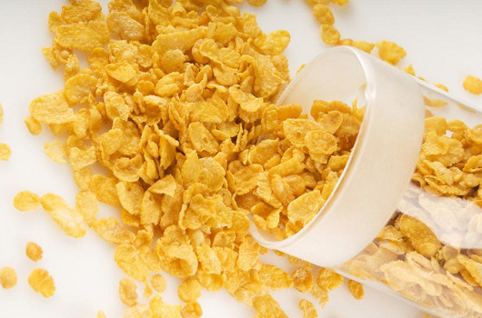 Estudio sobre tecnología de procesamiento de hojuelas de maíz nutritivas para el desayuno.