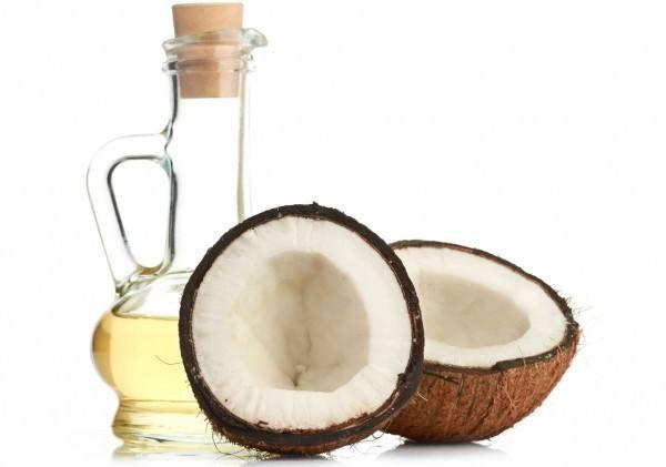 Estudio sobre extracción de aceite de coco crudo mediante método de microondas al vacío.
