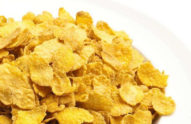 Estudio sobre la tecnología de procesamiento de microondas de hojuelas de maíz