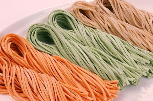 Producción de fideos cocidos y extrusión de máquina de fideos (1)