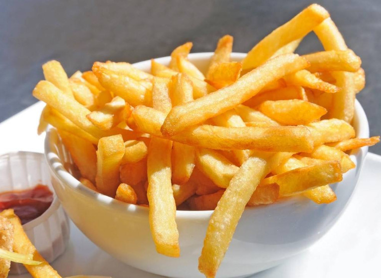 Efecto del proceso de congelación rápida y la presión negativa de vacío en la calidad de las papas fritas fritas (3)