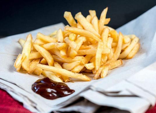 Optimización del proceso de preparación de papas fritas congeladas rápidamente.